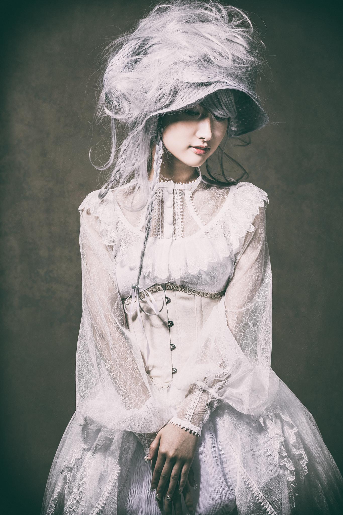 Model:アオイミヅキ