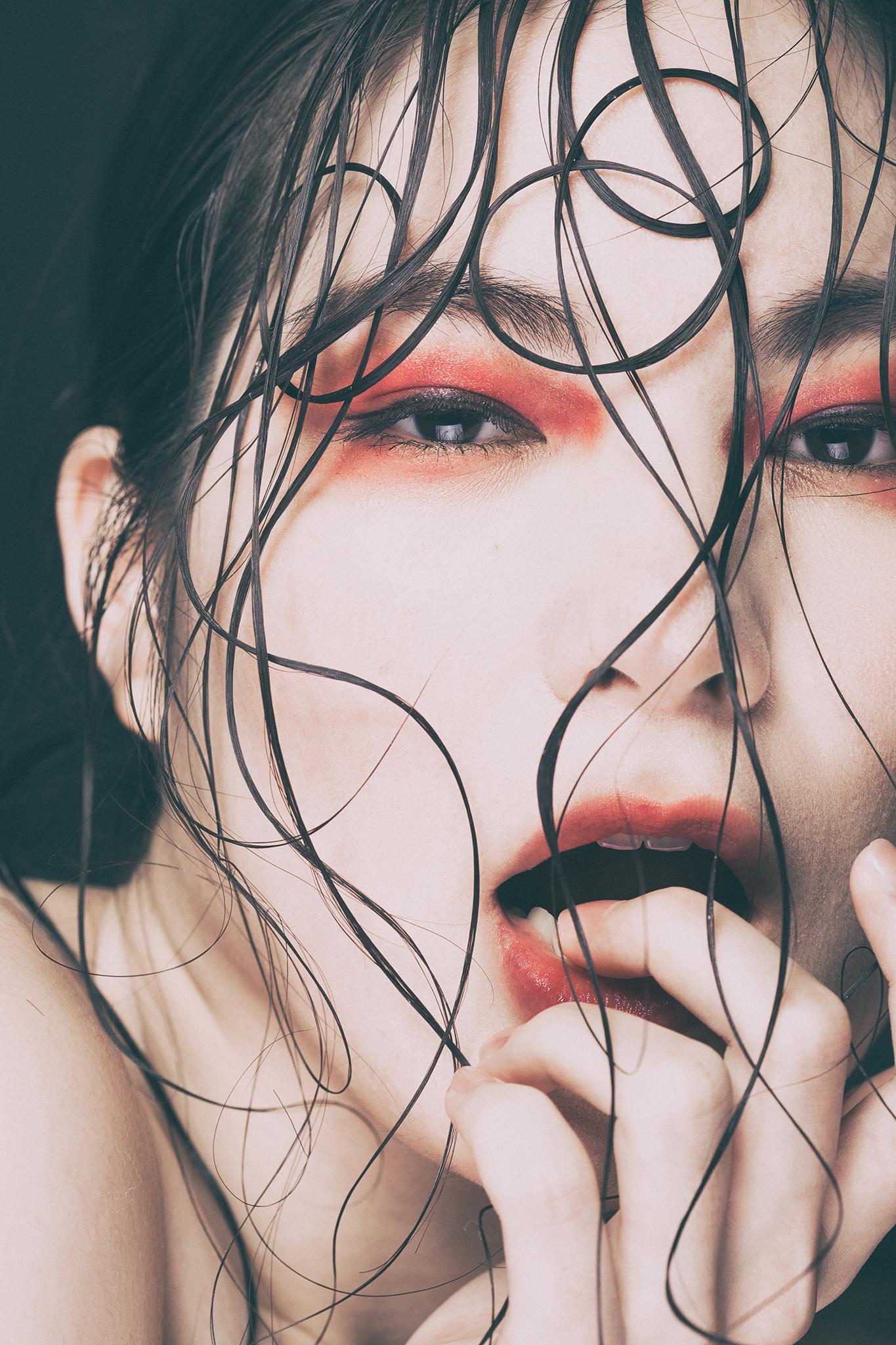 Model:内山晏那
